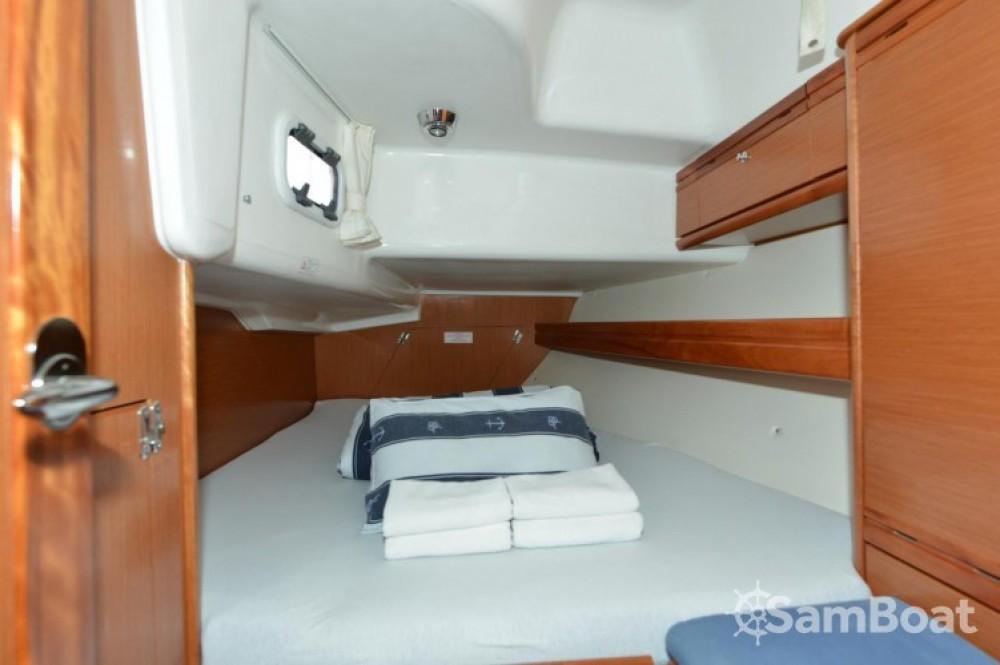 Rental yacht Marina Kornati - Bavaria Cruiser 38 on SamBoat