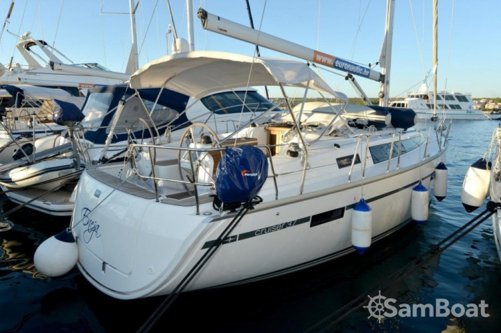 Rent a Bavaria Cruiser 37 Marina Kornati