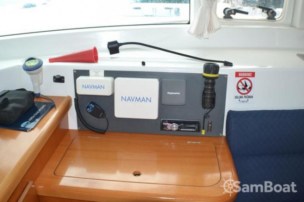 Rental yacht Sukošan - Lagoon Lagoon 420 on SamBoat