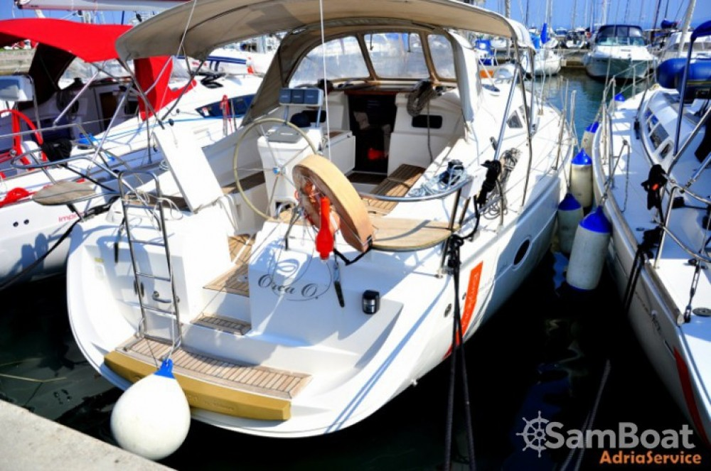 Rental Sailboat in Izola / Isola - Elan Elan 384