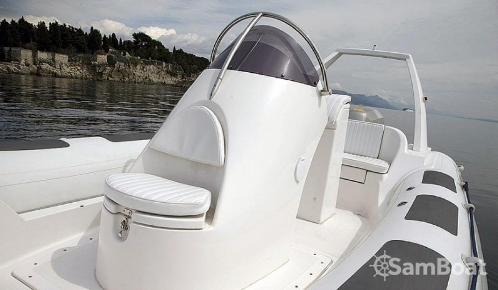 Location bateau Salona Maestral 650 à Makarska sur Samboat
