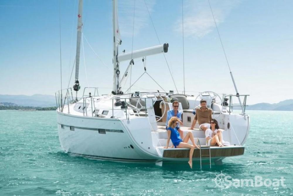 Louez un Bavaria Cruiser 51 à Laurion
