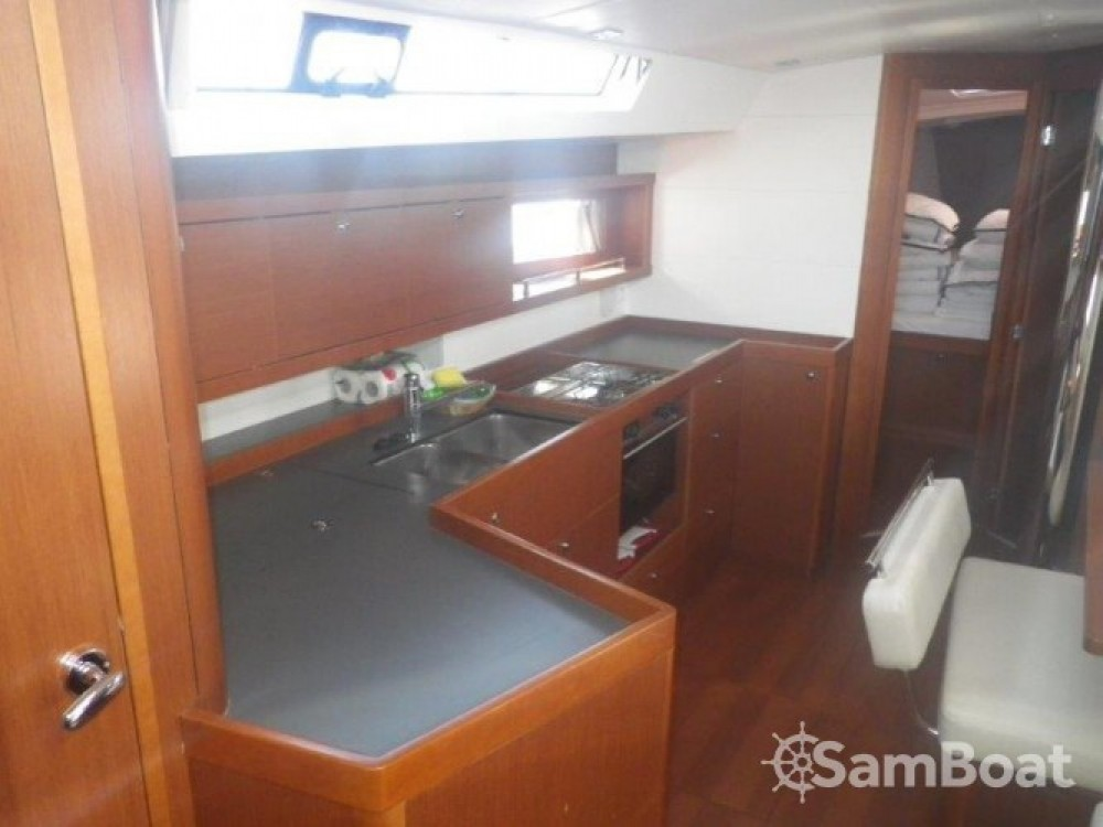 Alquiler de barcos Bénéteau Oceanis 45 enSeget Donji en Samboat