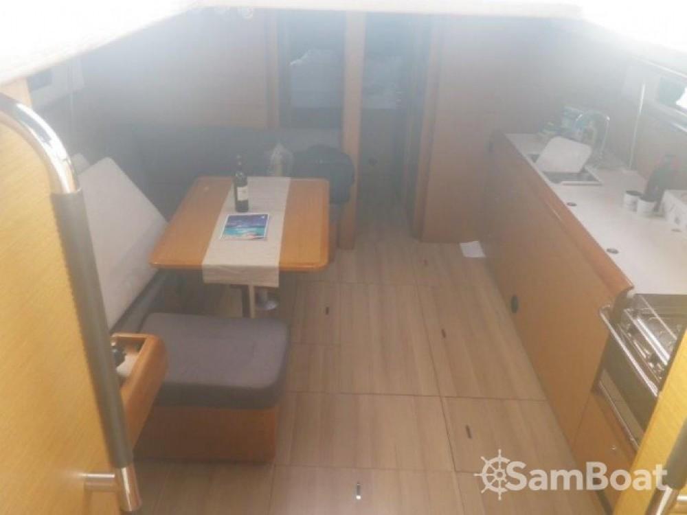 Alquiler de yate Seget Donji - Jeanneau Sun Odyssey 469 en SamBoat
