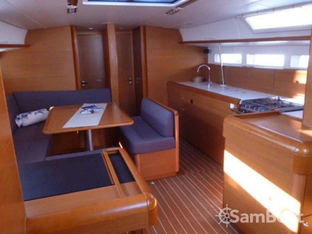 Alquiler de yate Seget Donji - Jeanneau Sun Odyssey 509 en SamBoat