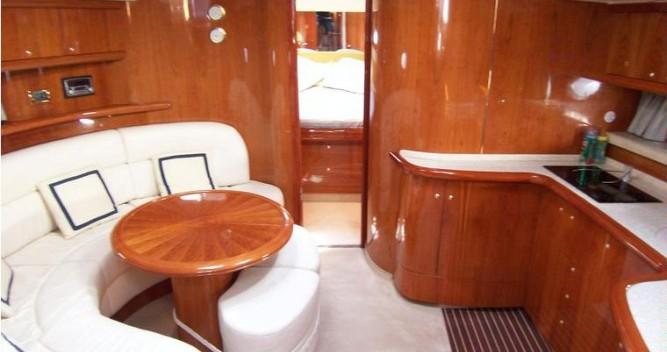 Louer Bateau à moteur avec ou sans skipper Cranchi à Milazzo