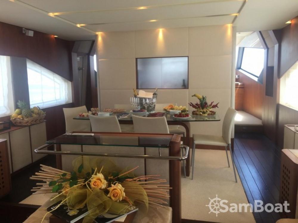 Alquiler Lancha Aicon-Yachts con título de navegación