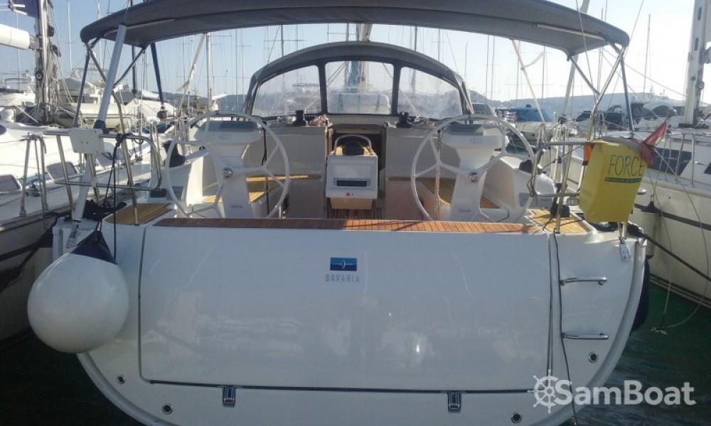 Bavaria Cruiser 46 entre particulares y profesional Primošten
