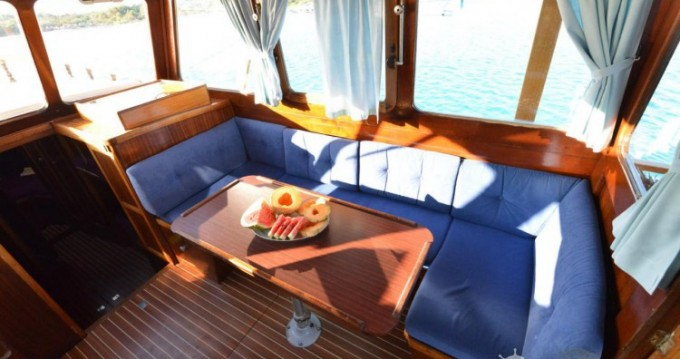 Location bateau Custom Made Yacht TIHO à Zadar sur Samboat