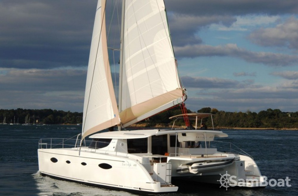 Fountaine Pajot Salina 48 entre particulares y profesional Αττική