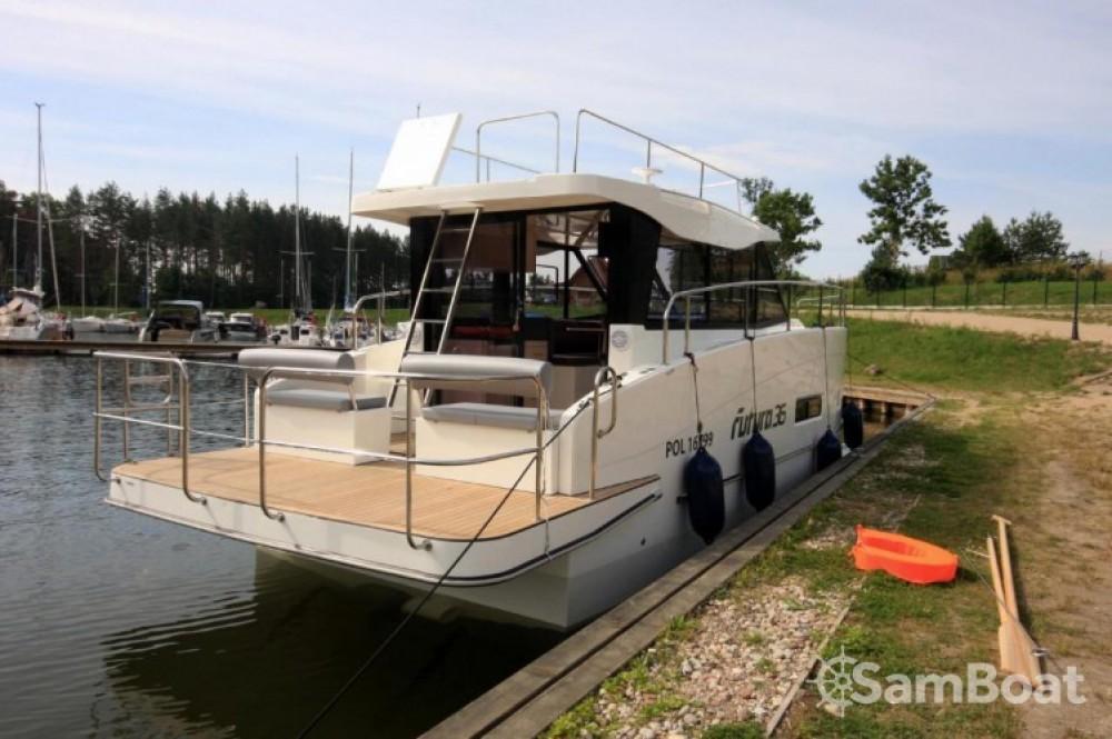 Alquiler Lancha Futura-Yachts con título de navegación