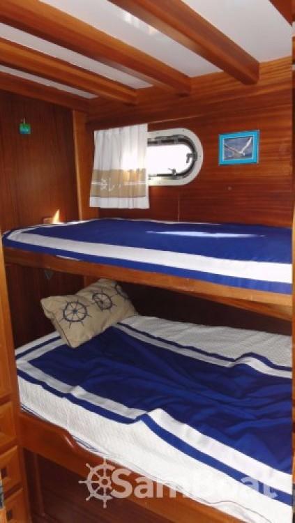 Alquiler de barcos Custom Made Larus - 3 + 1 cab. enPirovac en Samboat