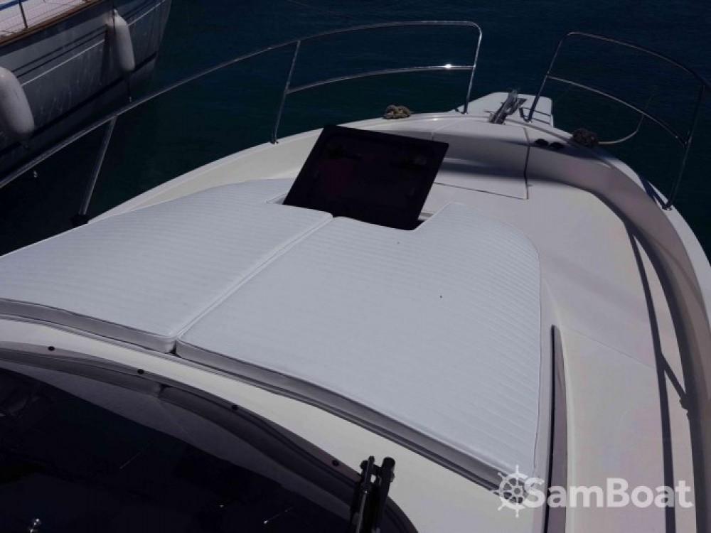 Louez un Balt-Yacht Balt 818 Titanium à Kukljica