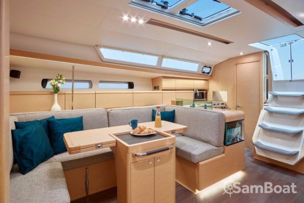 Alquiler de yate Lávrio - Jeanneau Sun Odyssey 449 en SamBoat