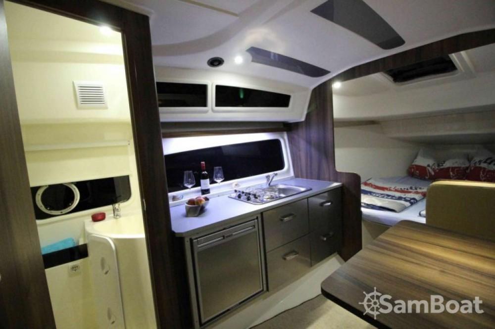 Balt-Yacht Balt 818 Titanium entre particuliers et professionnel à Kukljica