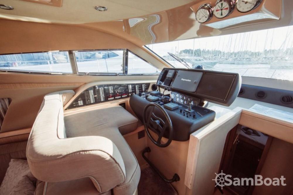 Ferretti-Yachts-Group Ferretti 460i entre particulares y profesional Split
