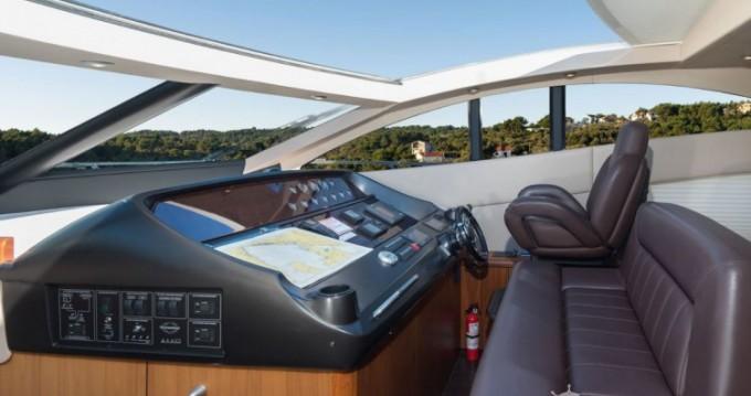 Sunseeker-International Sunseeker Predator 62 - 3 + 1 cab. between personal and professional Marina LAV