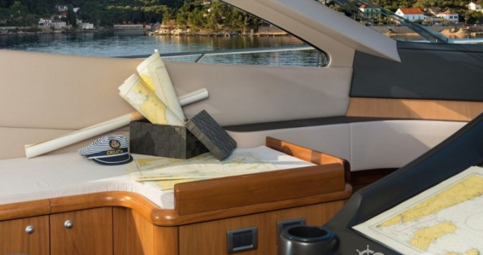 Rental yacht Marina LAV - Sunseeker-International Sunseeker Predator 62 - 3 + 1 cab. on SamBoat