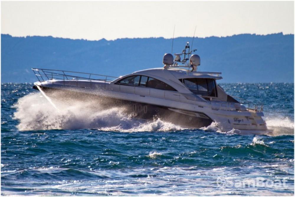 Alquiler de Fairline-Boats Fairline Targa 62 GT - 3 + 1 cab. en Split