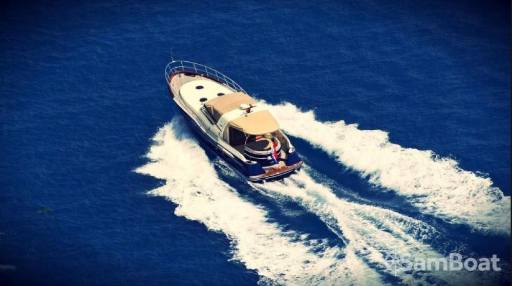 Liskens Catcruiser 45 between personal and professional Marina LAV