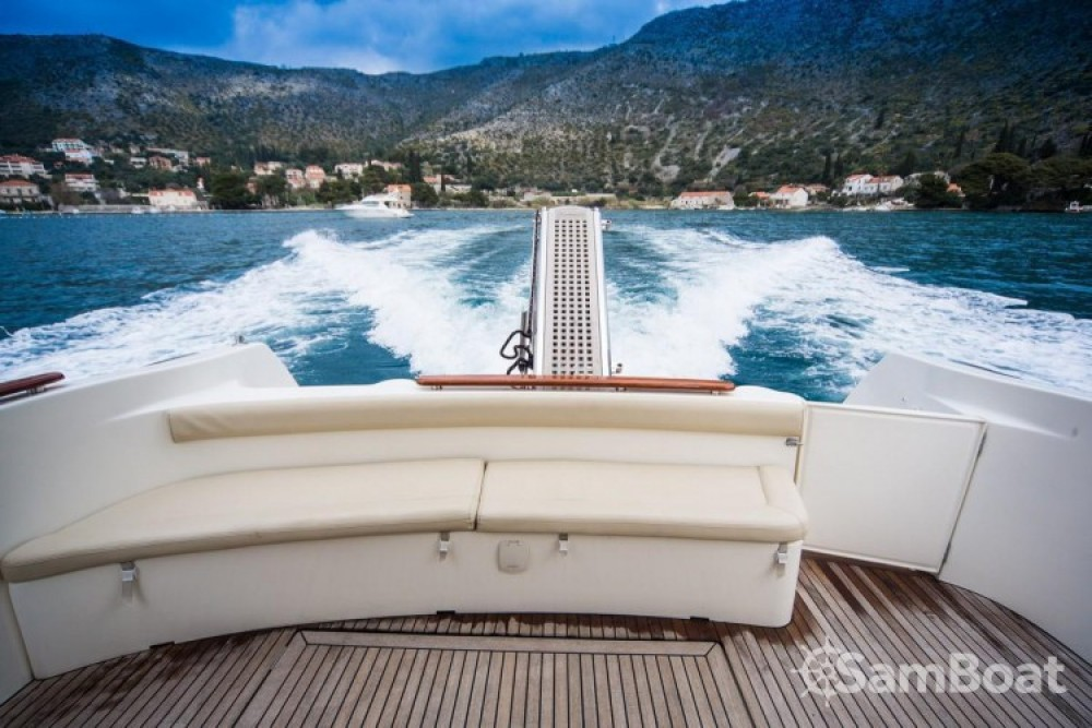 Alquiler de barcos Jeanneau Prestige 36 Fly en en Samboat