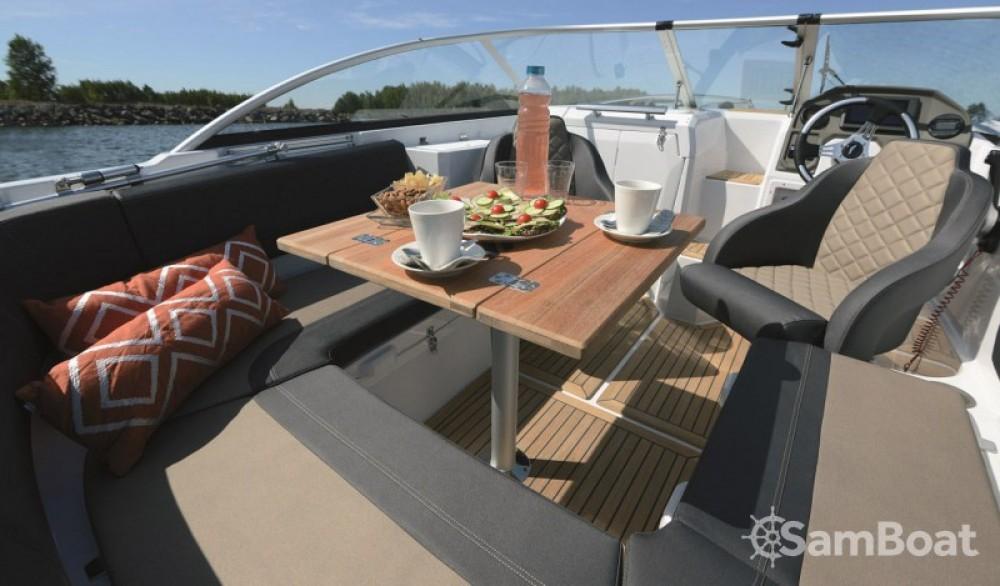Alquiler Lancha Finn-Marin-Ltd con título de navegación