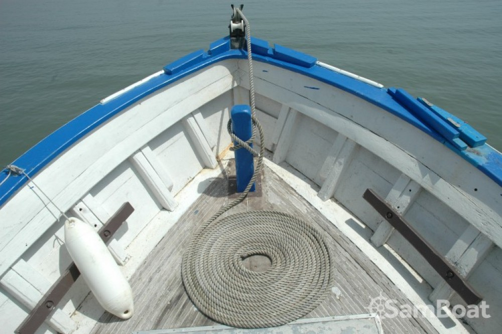 Alquiler de barcos Saint-Vivien-de-Médoc barato de Chalutier
