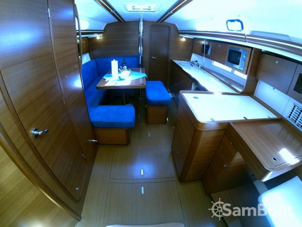 Alquiler de barcos Šibenik barato de Dufour 375 Grand Large