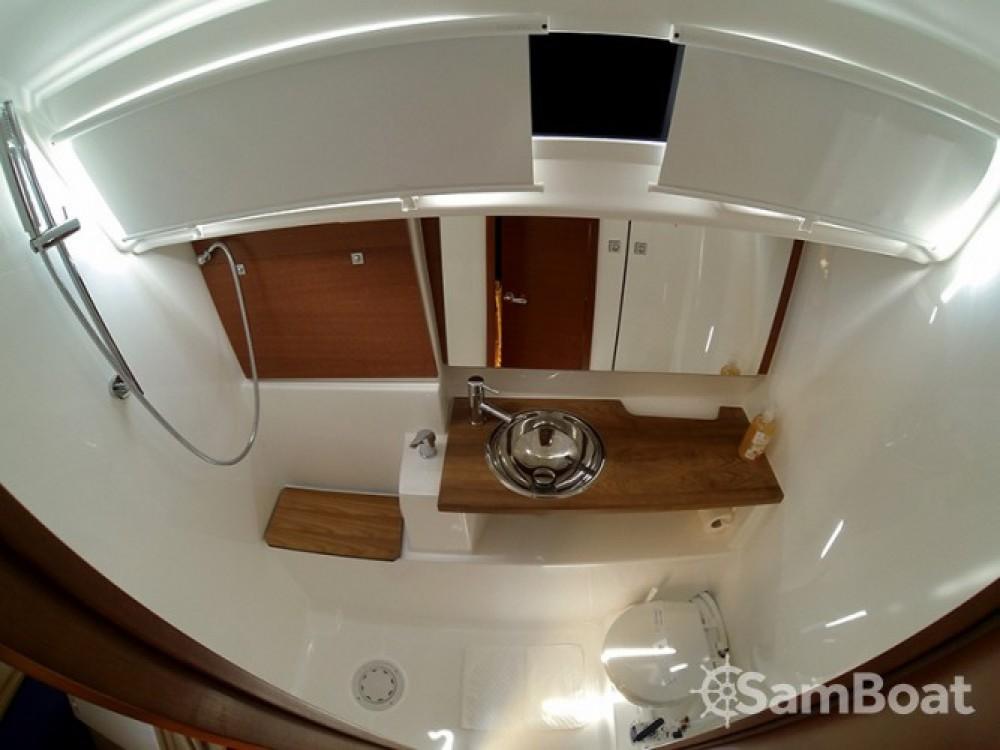 Alquiler de barcos Šibenik barato de Dufour 412 Grand Large