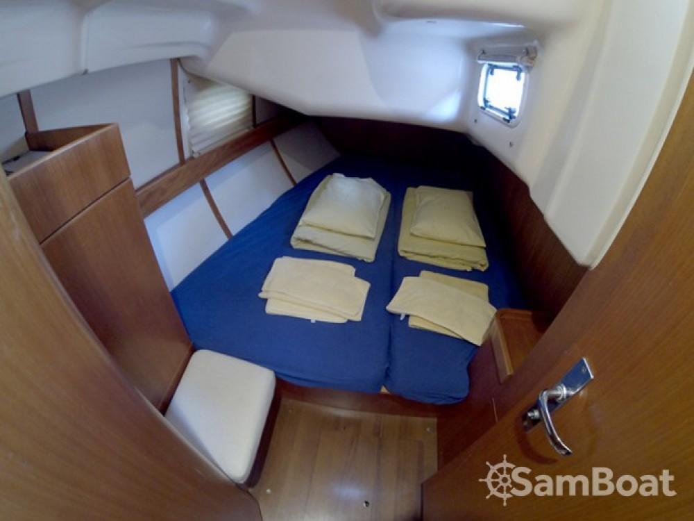 Alquiler de yate Šibenik - Elan Elan 384 en SamBoat