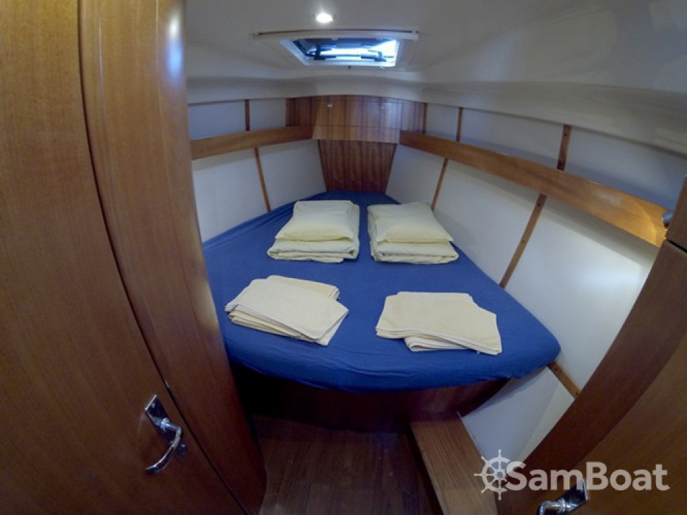 Alquiler de barcos Elan Elan 384 enŠibenik en Samboat