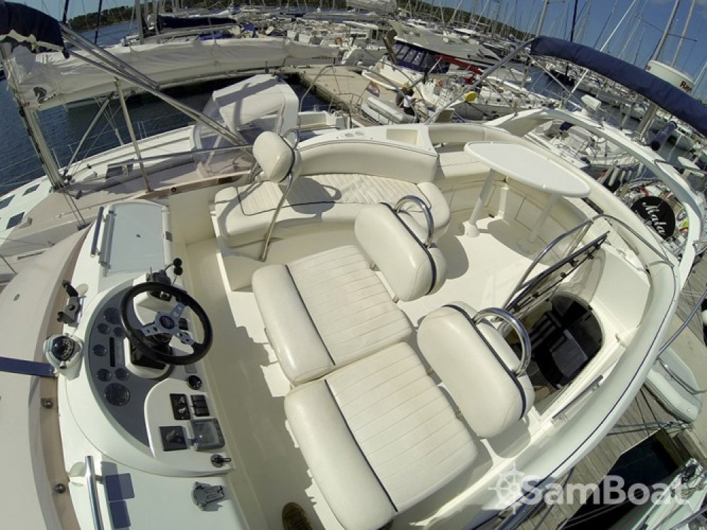Alquiler Lancha Fairline-Boats con título de navegación
