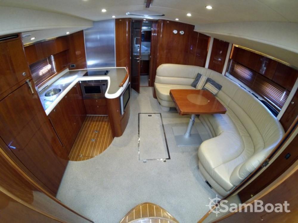 Alquiler de Lancha, con o sin patrón Fairline-Boats Šibenik