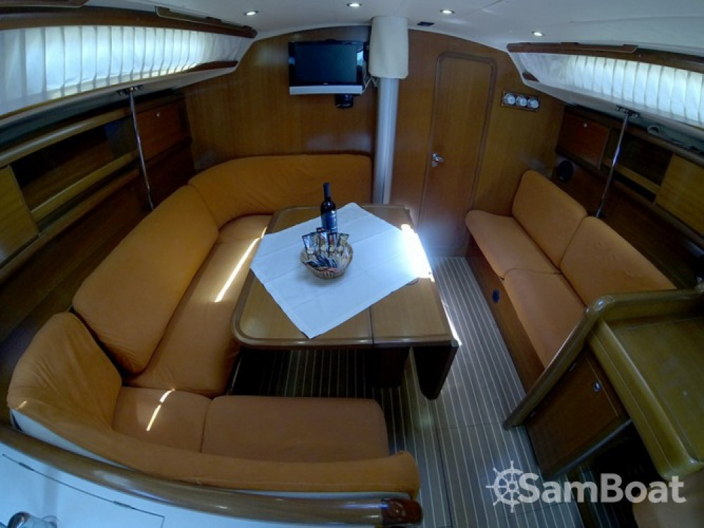 Alquiler de yate Šibenik - Cantiere Del Pardo Grand Soleil 45 en SamBoat
