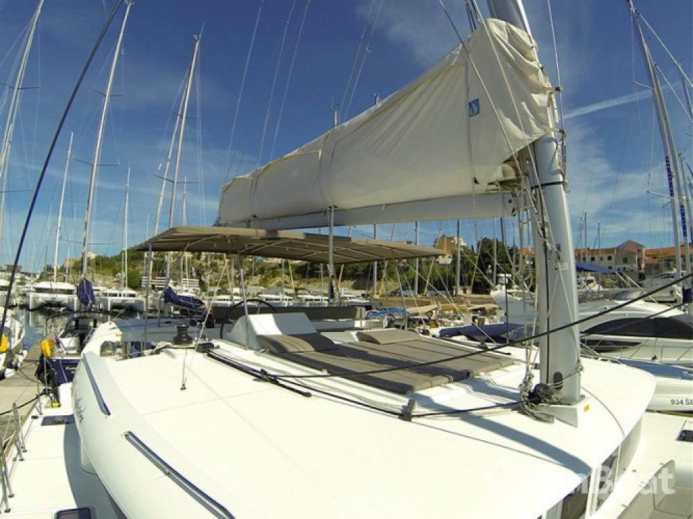 Alquiler de Lagoon Lagoon 450 en Šibenik