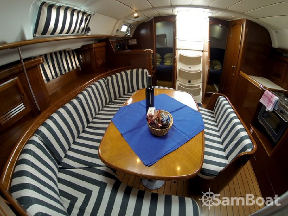 Alquiler de barcos Šibenik barato de Oceanis