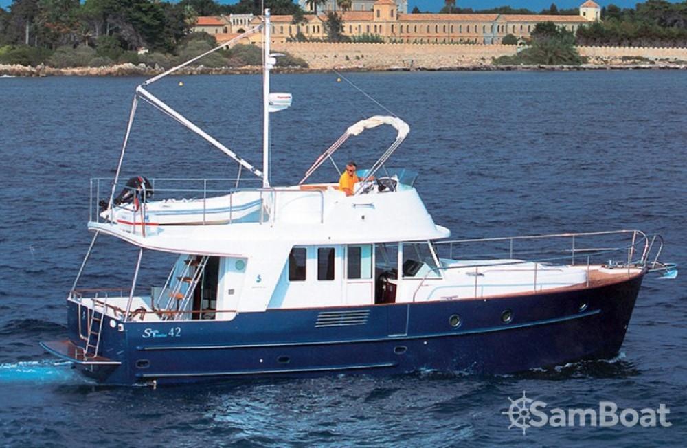 Alquiler de barcos Bénéteau Swift Trawler 42 enŠibenik en Samboat