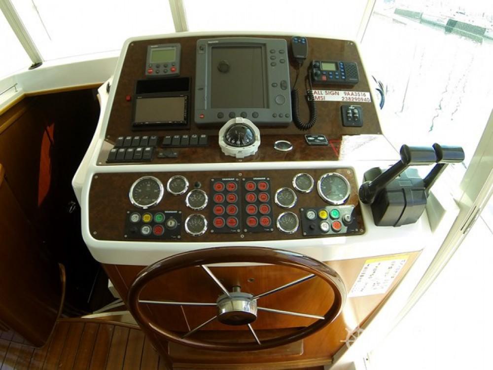 Alquiler de Bénéteau Swift Trawler 42 en Šibenik