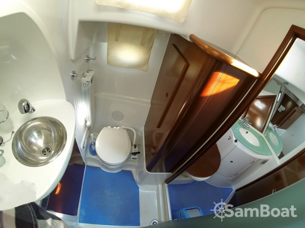 Alquiler de yate Šibenik - Bénéteau Swift Trawler 42 en SamBoat