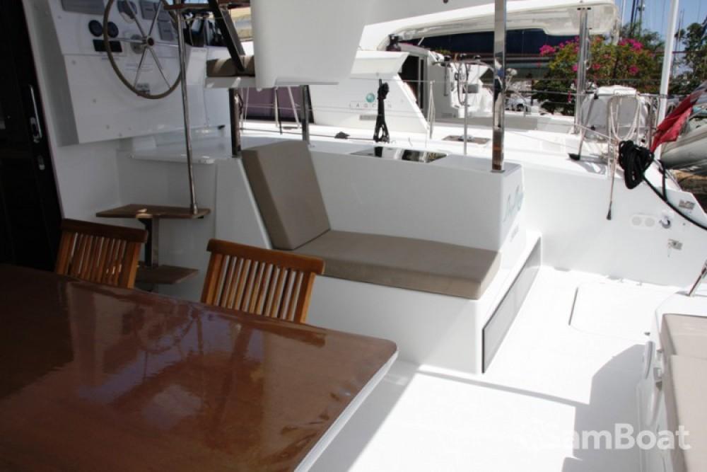 Alquiler de barcos Fountaine Pajot Lucia 40 enMarmaris Yacht Marina A.Ş en Samboat
