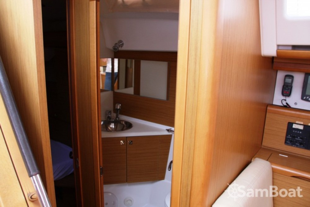 Jeanneau Sun Odyssey 50 DS entre particulares y profesional Marmaris Yacht Marina A.Ş