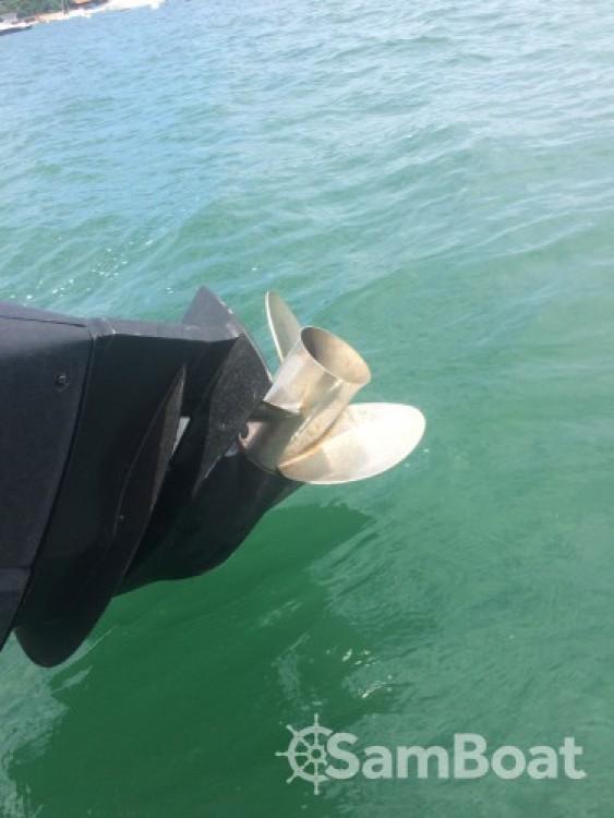 Location bateau Lège-Cap-Ferret pas cher Clubman 22