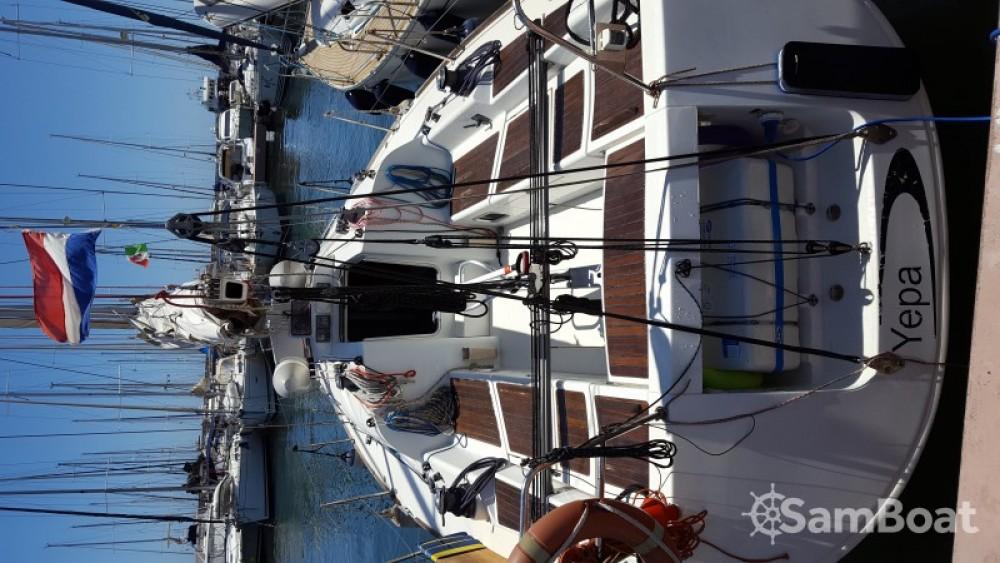 Huur een Bénéteau First 36.7 in Ponza