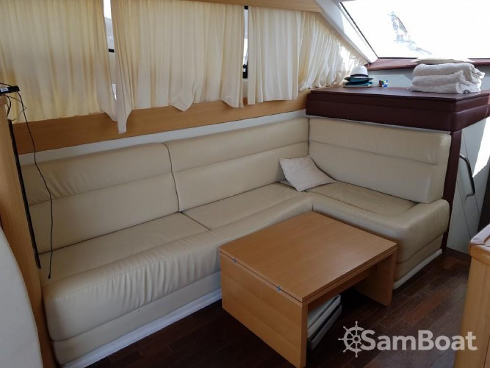 Location bateau Innovazione e Progetti Alena 48 à Propriano sur Samboat
