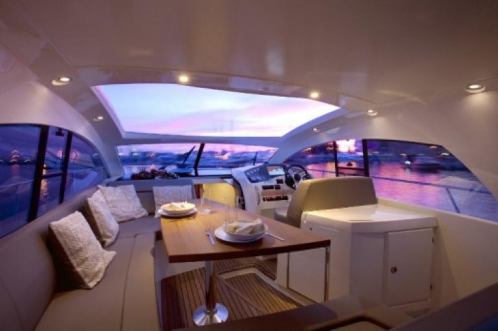 Alquiler de barcos Mandelieu-la-Napoule barato de Prestige 42 S