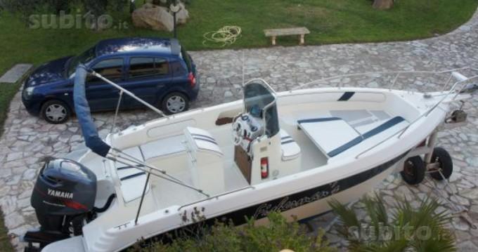 Louer Bateau à moteur avec ou sans skipper C.N. Arturo Stabile à Taormina