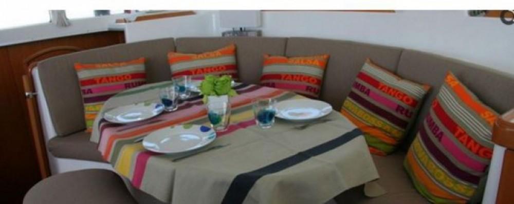 Alquiler de barcos Ibiza barato de Lagoon 380 S2