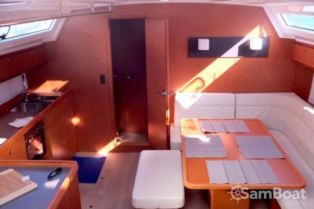 Alquiler de Bavaria Cruiser 46 en Nápoles