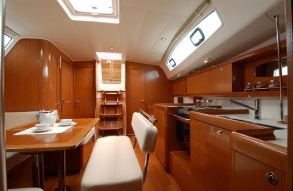 Noleggio yacht Napoli - Bénéteau Oceanis 43 su SamBoat