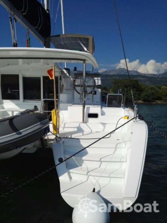 Alquiler de barcos Lagoon Lagoon 39 enLávrio en Samboat
